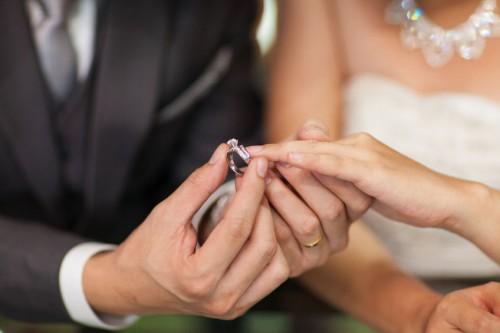 結婚式 お呼ばれ パーティ 和装&ドレスにはアンテプリマのワイヤーバッグ