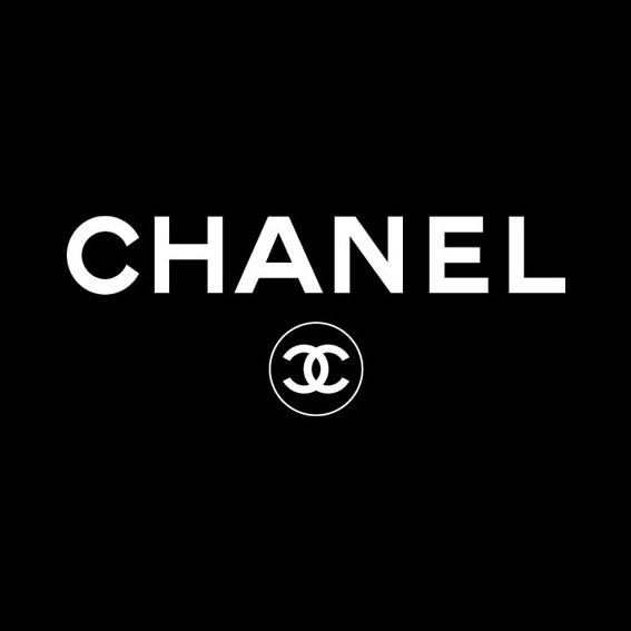 シャネル(CHANEL)ココマークのブローチを撮影しました!
